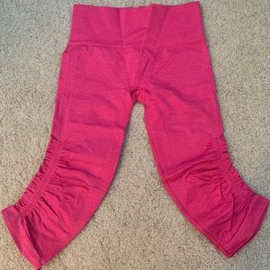 Lululemon In The Flow Crop - Pink sz 4 NWOT